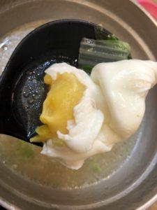 台湾の鍋焼きラーメンの卵